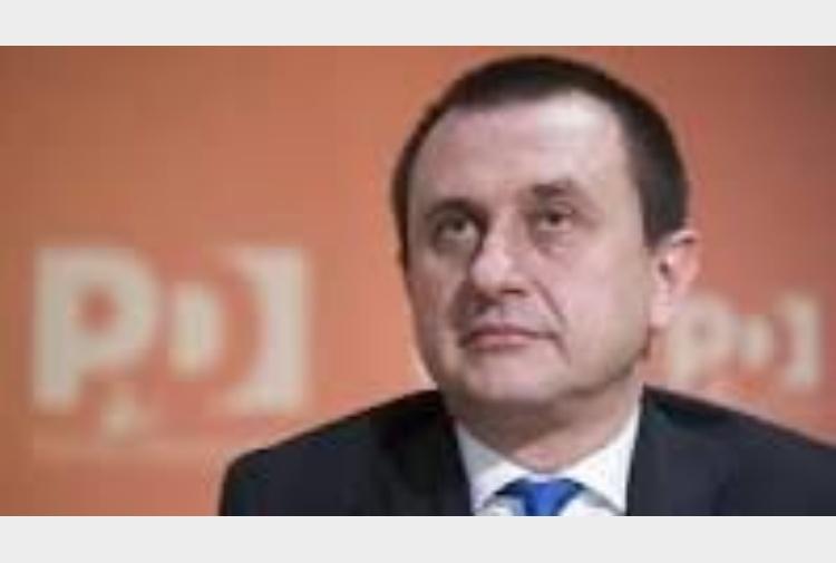 Rosato riunisce deputati pd s compatto al taglio dei for Deputati pd