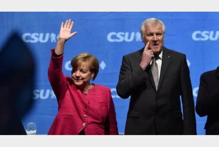Merkel accetta di limitare in futuro numero rifugiati in - Bozza compromesso ...