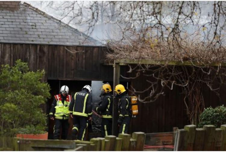 Londra. Maxi incendio allo zoo: fiamme partite da una caffetteria