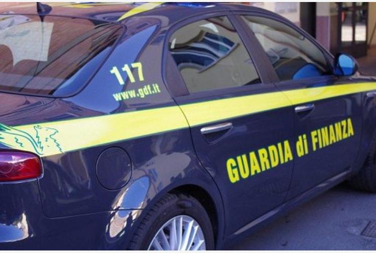 Depistaggio per condizionare le indagini su Eni: perquisizioni dal manager Mantovani