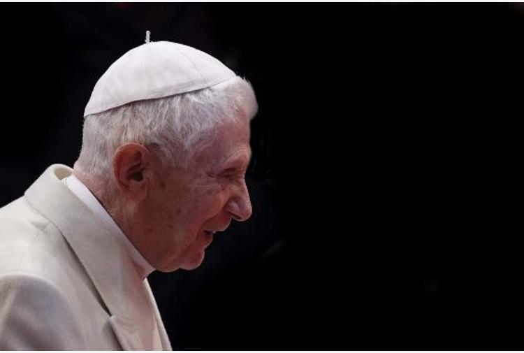 Papa emerito Ratzinger sta per morire? La rivelazione del fratello