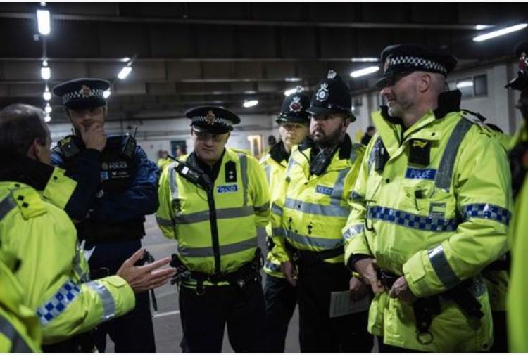 Esplosione a Leicester, quattro morti: