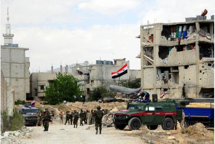 Siria, la tv di Stato: fossa comune con 30 cadaveri a Duma