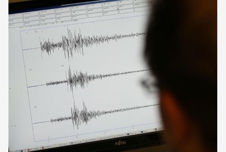 Scossa magnitudo 5,3 in Iran, feriti salgono a 76