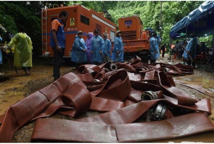 Thailandia, ragazzi intrappolati in grotta: forse ci vorranno mesi per liberarli