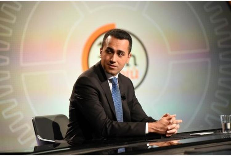 Governo: Di Maio difende la segretaria particolare: 'Onesta e leale'