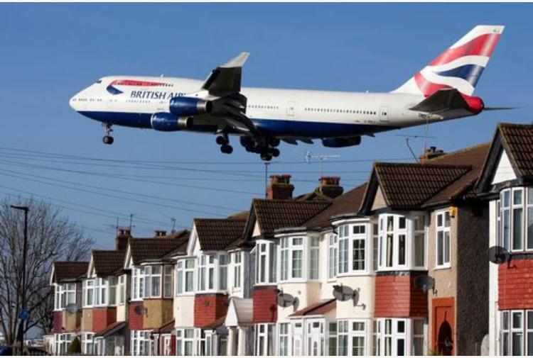 British Airways, atterraggio di emergenza a Londra per aereo da Napoli