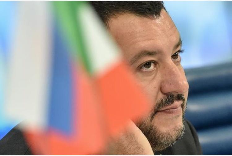 Migranti, Salvini dichiarato persona non grata a Maiorca