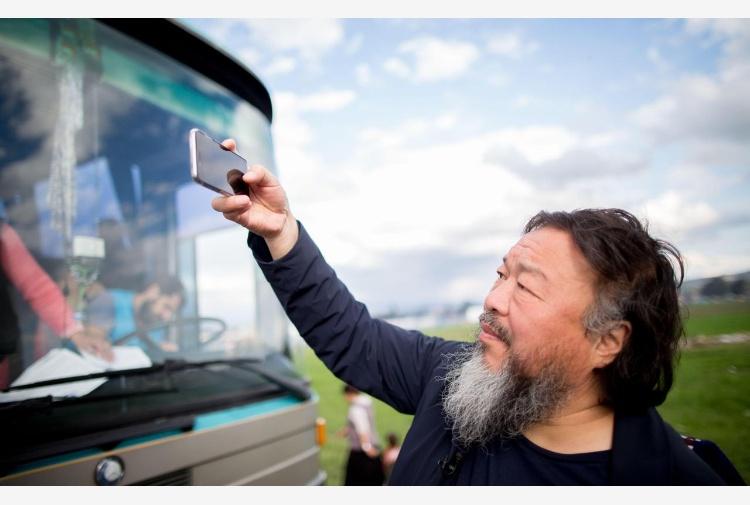 Cina, la denuncia di Ai Weiwei: 'Demolito il mio studio a Pechino'