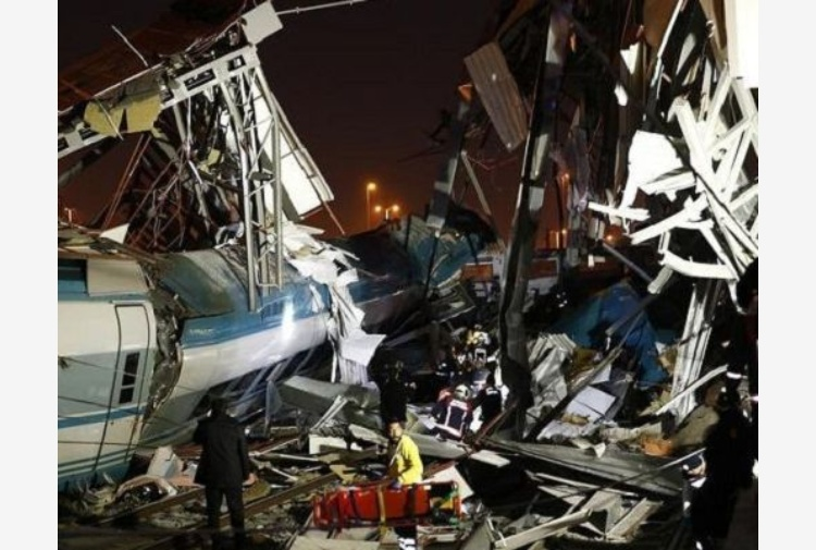 Turchia, incidente tra treni: almeno 7 morti e 46 feriti