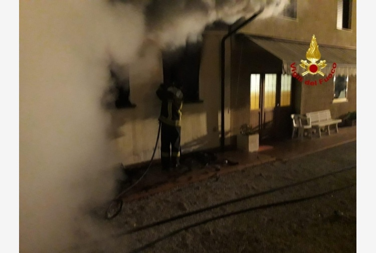 Incendio in appartamento, morta donna