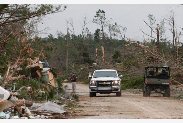 Tornado in Alabama: 22 i morti accertati, l'allarme continua