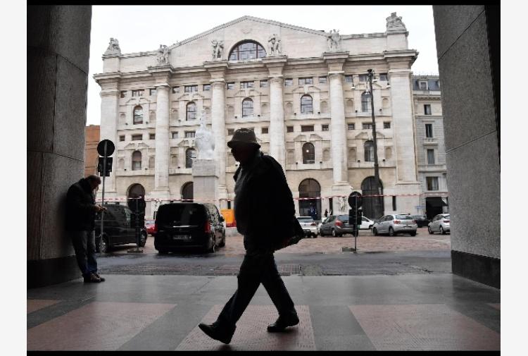 e38d77fa79 Borsa: Milano gira in calo con Tim - Tiscali Notizie