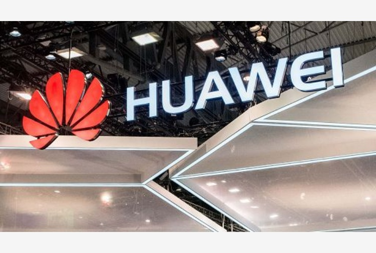 Trump mette al bando Huawei, scontro tra Washington e Pechino VIDEO