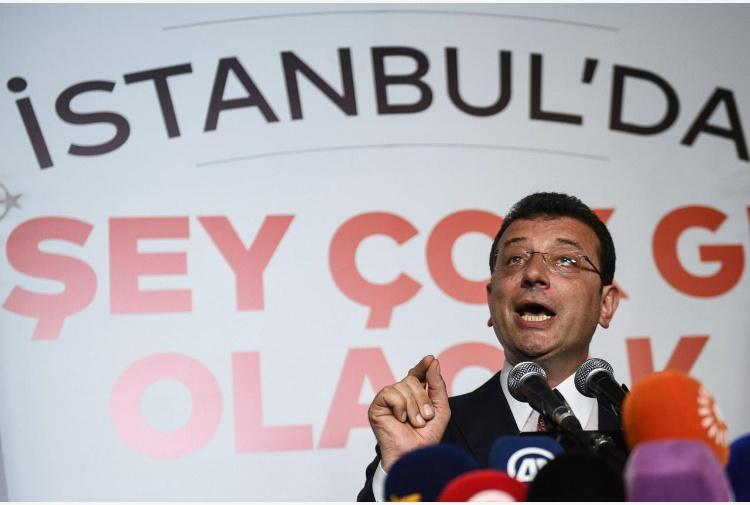 Rielezioni sindaco di Istanbul: candidato dell'opposizione in testa
