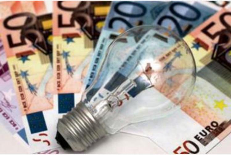 Bollette: cala il gas ma aumenta l'elettricità