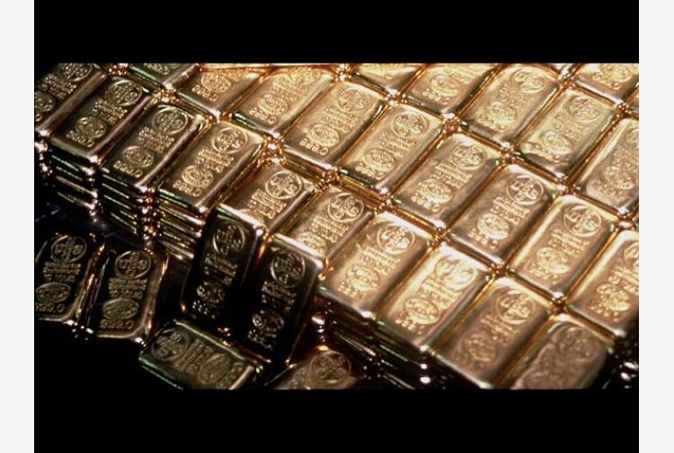 Oro: rallenta corsa, scende a 1.505 dlr