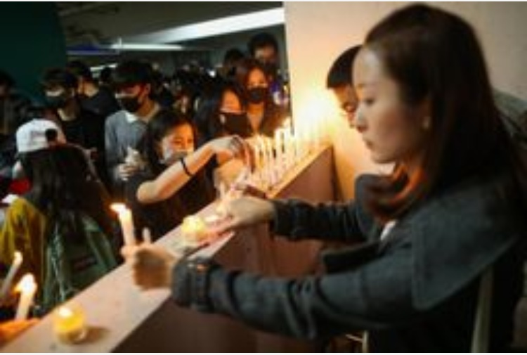 Hong Kong: commemorazione studente morto