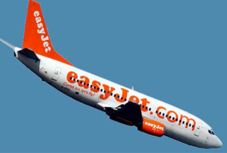 Conversazione sospetta a bordo, aereo atterra in Germania