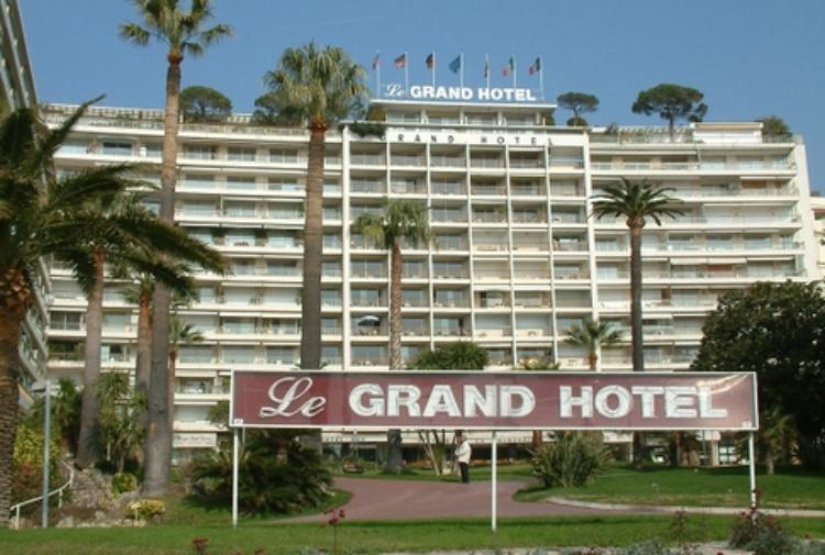 Rapita per strada la proprietaria del Grand Hotel di Cannes