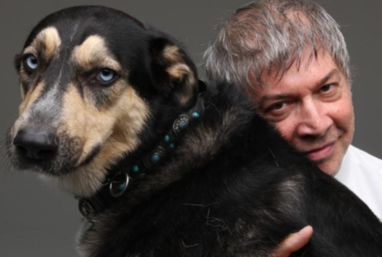 Imprenditore dona la sua azienda a cani, gatti e lupi