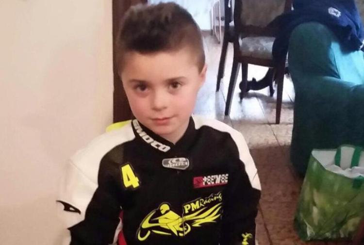 Tragedia in minimoto, morto un bimbo di 8 anni