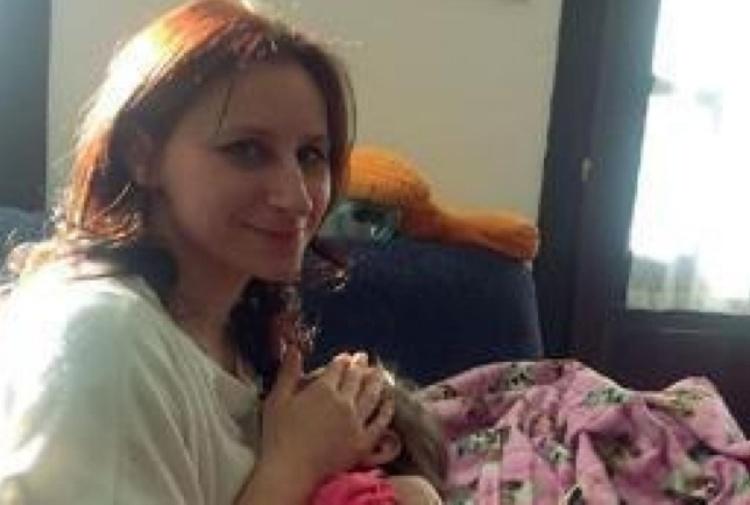 I colleghi le donano le ferie, sua figlia muore a Natale