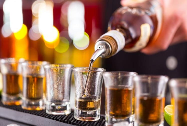 L'alcol uccide di più di sigarette e droga messe insieme