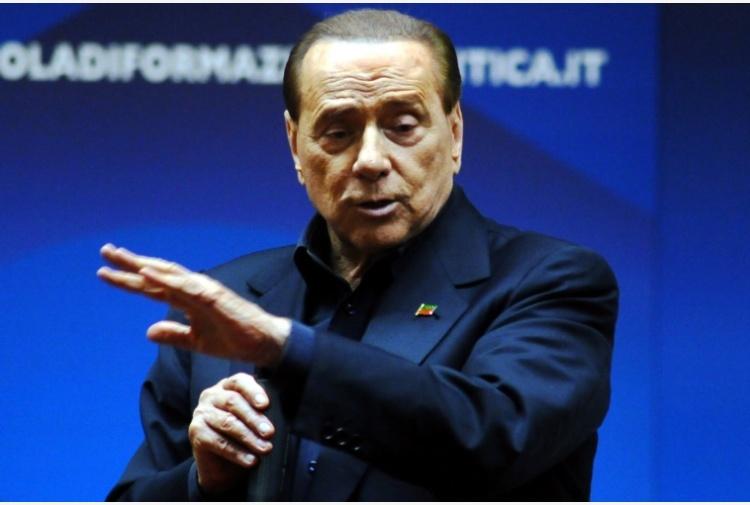 Dopo la sconfitta Renzi rassicura i suoi, ma Orlando attacca