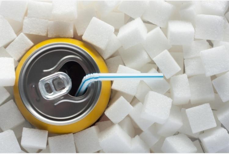 Le bibite zuccherate fanno invecchiare il cervello