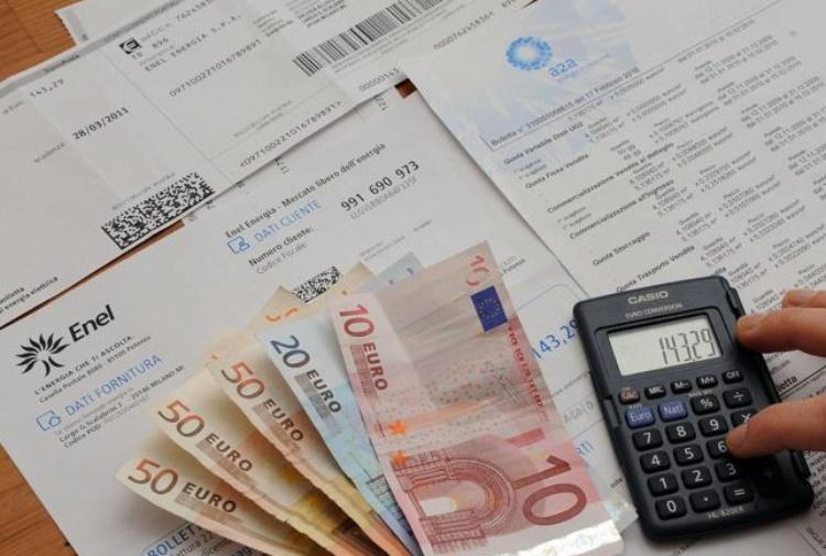 Dalla casa alla sanità: spese obbligate gravano per 7200 euro
