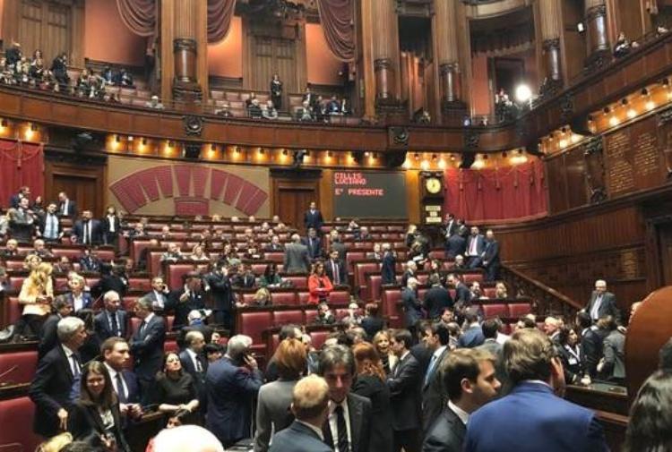 Il senato dice s al taglio del numero dei parlamentari for Numero di parlamentari