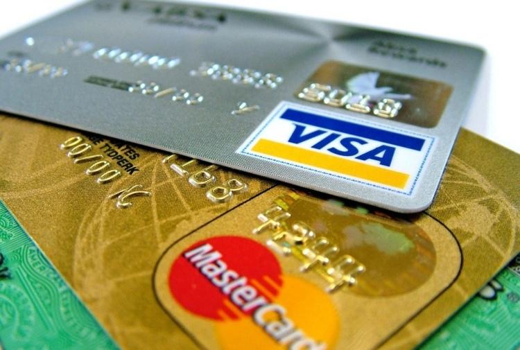 Carte di credito, attenzione alla truffa del codice Cvv. L'allarme della polizia
