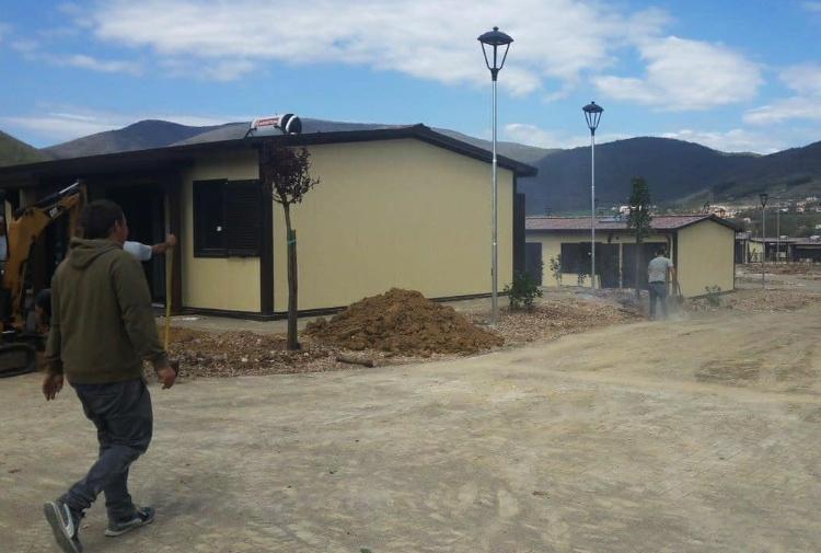 La tratta degli operai nei cantieri del terremoto: sfruttati e a rischio.