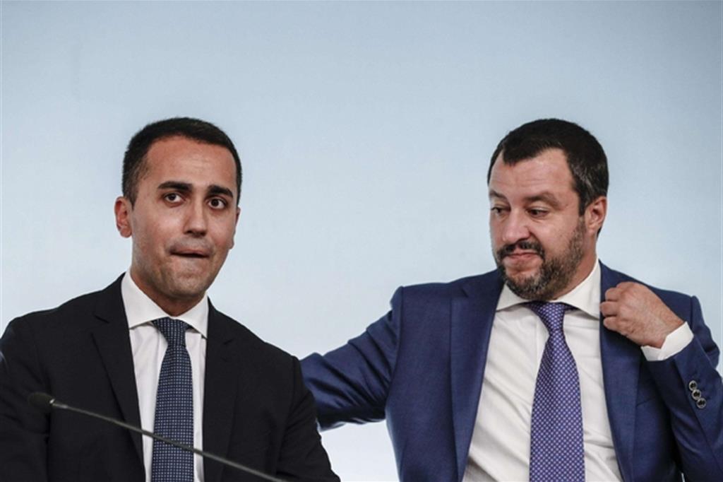 Di Maio: 'Salvini resti al suo posto ma non attacchiamo i pm'
