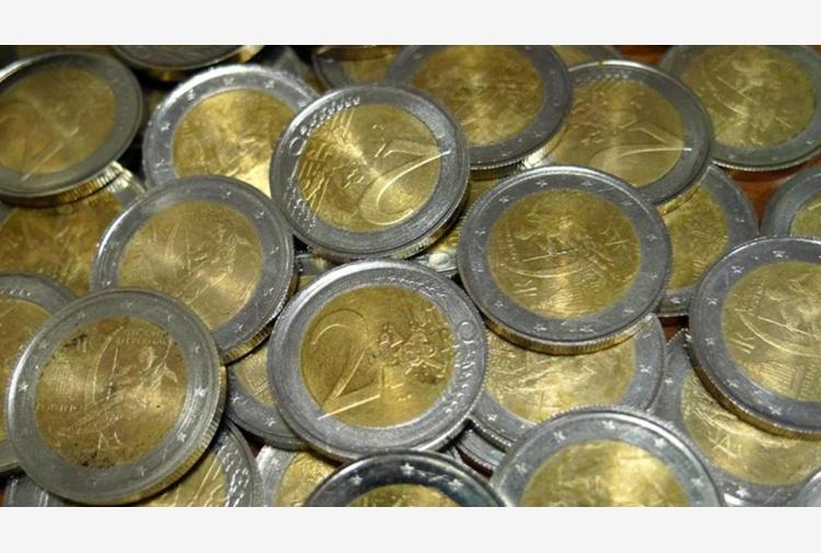 Napoli, sequestro di monete false: ecco come riconoscerle