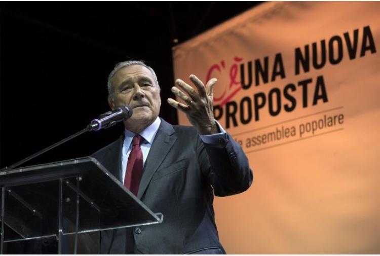 Pietro Grasso leader di Lista Unitaria Sinistre all'opposizione del Pd di Renzi