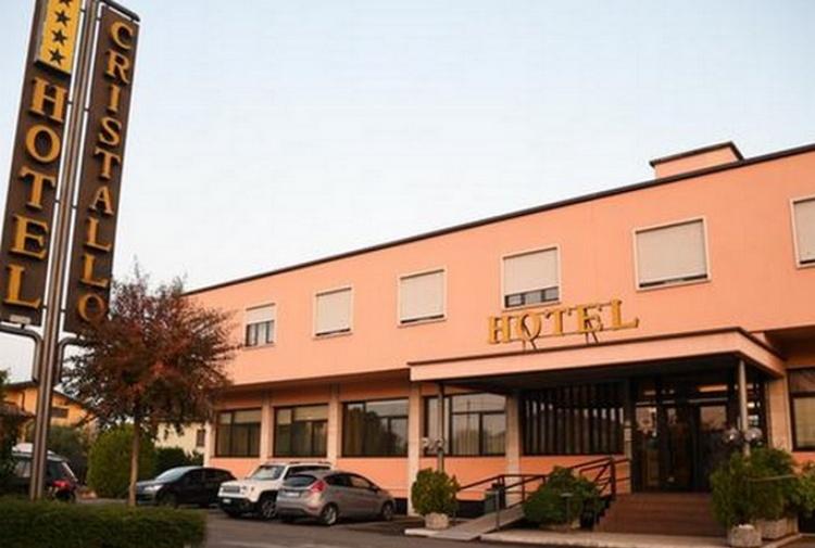 Veneto hotel a 4 stelle per ospitarvi gli immigrati for Hotel 4 stelle barcellona centro