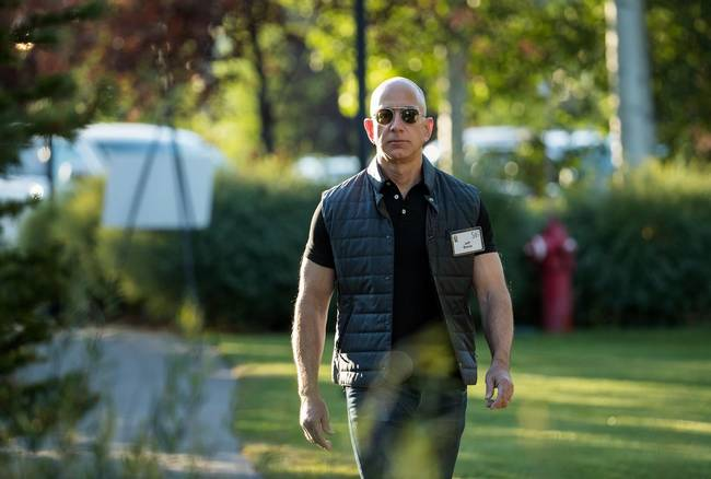Amazon annuncia licenziamenti in tutto il mondo
