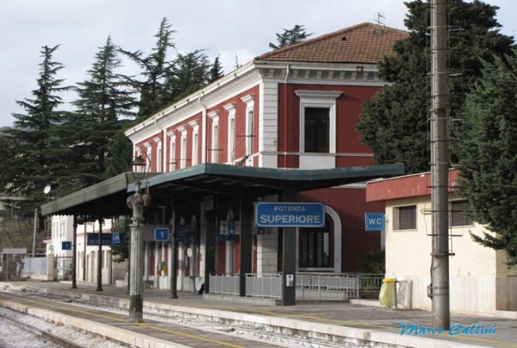 Da stazione abbandonata a centro per la sostenibilit for Progetti per la casa in vendita