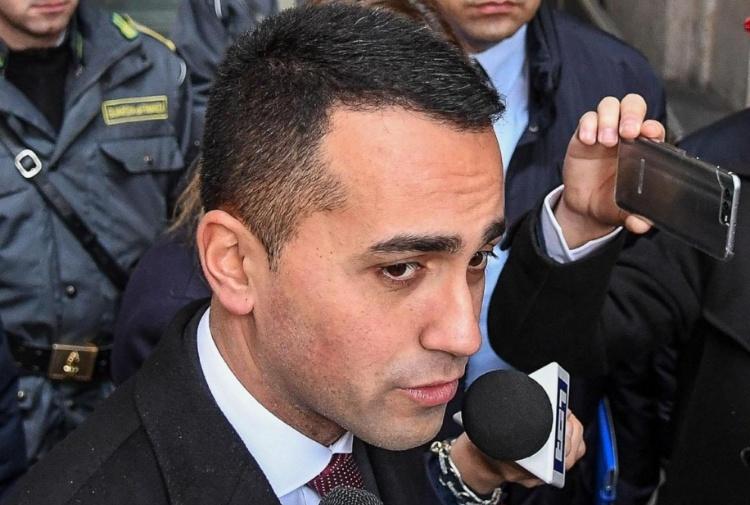 M5S, De Falco accusato dalla moglie: