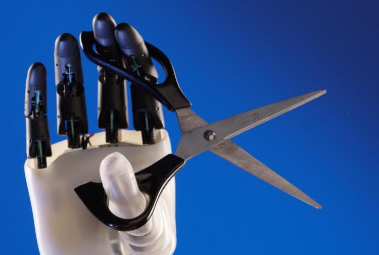Una mano robot dalla presa perfetta