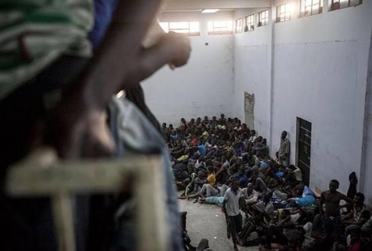 [L'esclusiva] Viaggio nei campi di sterminio dei migranti in Libia. Ecco la testimonianza choc dell'orrore che non vogliamo vedere
