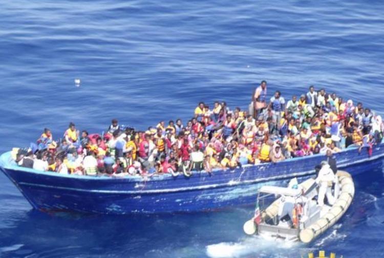 Strage di donne nel canale di Sicilia, 21 cadaveri su un gommone