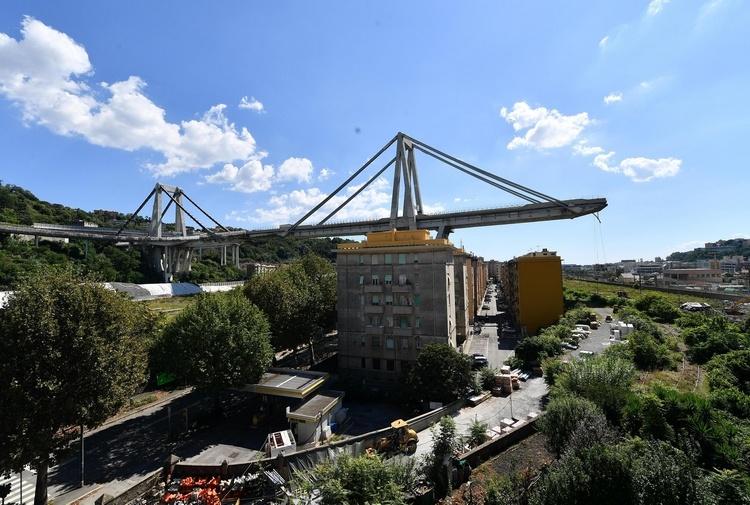Crollo del ponte Morandi: nel mirino della Procura una lista di trenta nomi