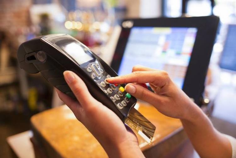 Multe per chi non accetta il pagamento col bancomat
