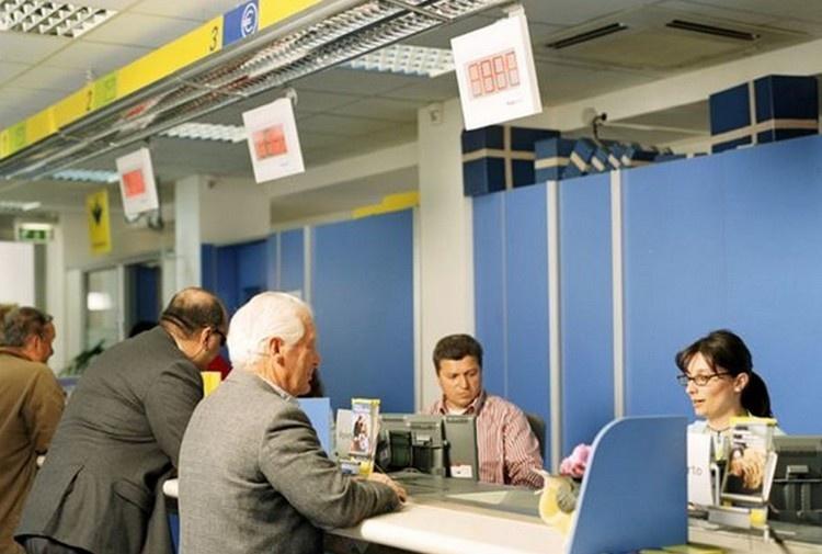 Aumenta il costo dell'invio di lettere e pacchi con Poste Italiane