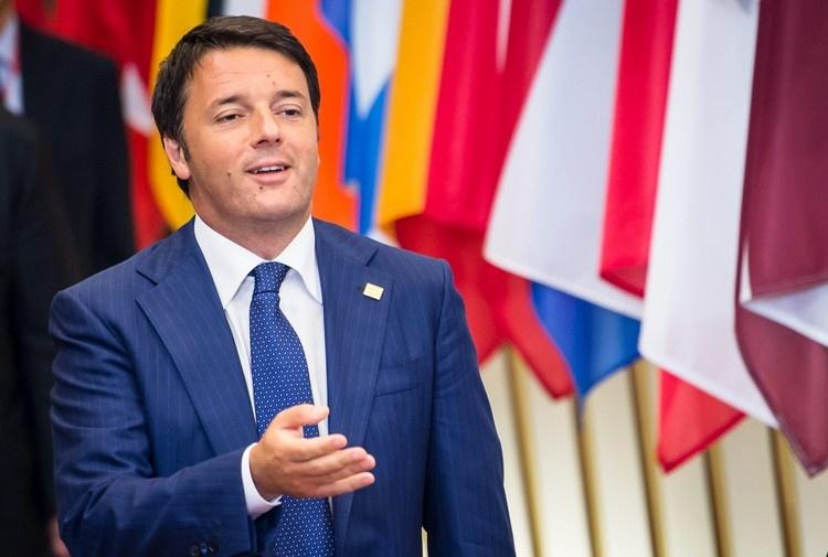 Caro Renzi la smetta con le conferenze in giro per il mondo. E' pagato con i nostri soldi per fare il Senatore