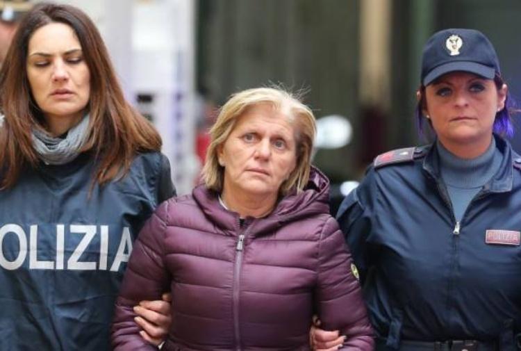 Arrestato un 16enne a Napoli, avrebbe pianificato due omicidi all'interno del clan