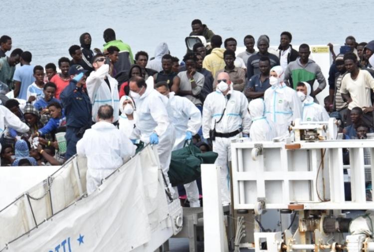 [L'analisi] Gli sbarchi sono colpa della Francia e adesso 7 milioni di migranti spaventano l'Europa